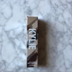 Kylie cosmetics concealer in shell